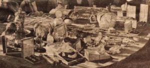 Иностранным дипломатам показывают царские регалии, яйца Фаберже и др. в Гохране. Огонек, 1925 №24. Фрагмент